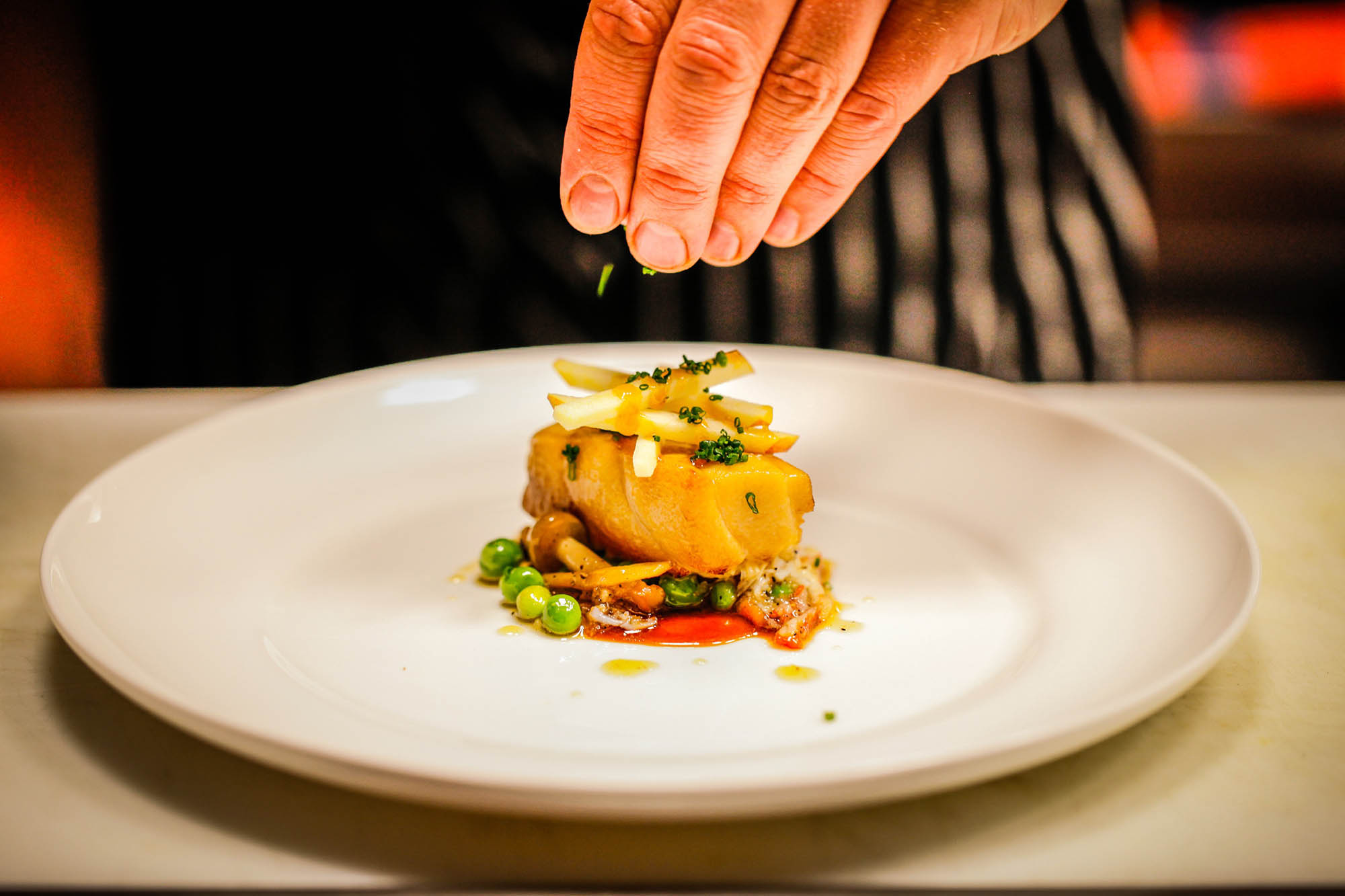 ' ' from the web at 'http://tag-restaurant.com/wp-content/uploads/2014/12/tag-social-food-and-environment-1.jpg'